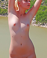 Sample Thumb - Tatyana in Big River